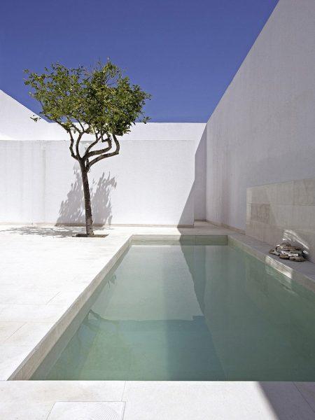 Inspirations d co 6 id es d am nagements autour d une for Piscine minimaliste