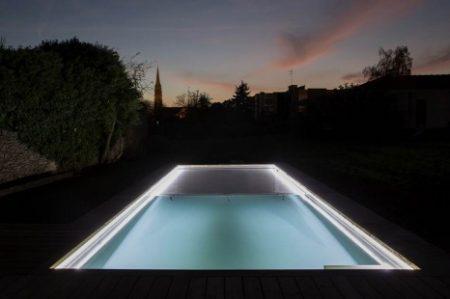 eclairage autour piscine elegant lampe led piscine ambiance with eclairage autour piscine cool. Black Bedroom Furniture Sets. Home Design Ideas